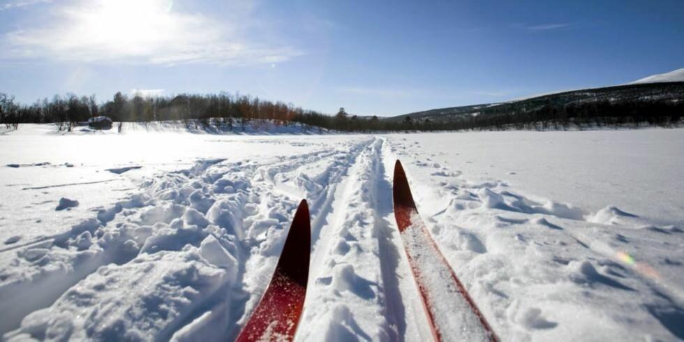 BRA FOR DEG OG FOSTERET: Skigåing er en ypperlig aktivitet under graviditeten. Foto: Crestock