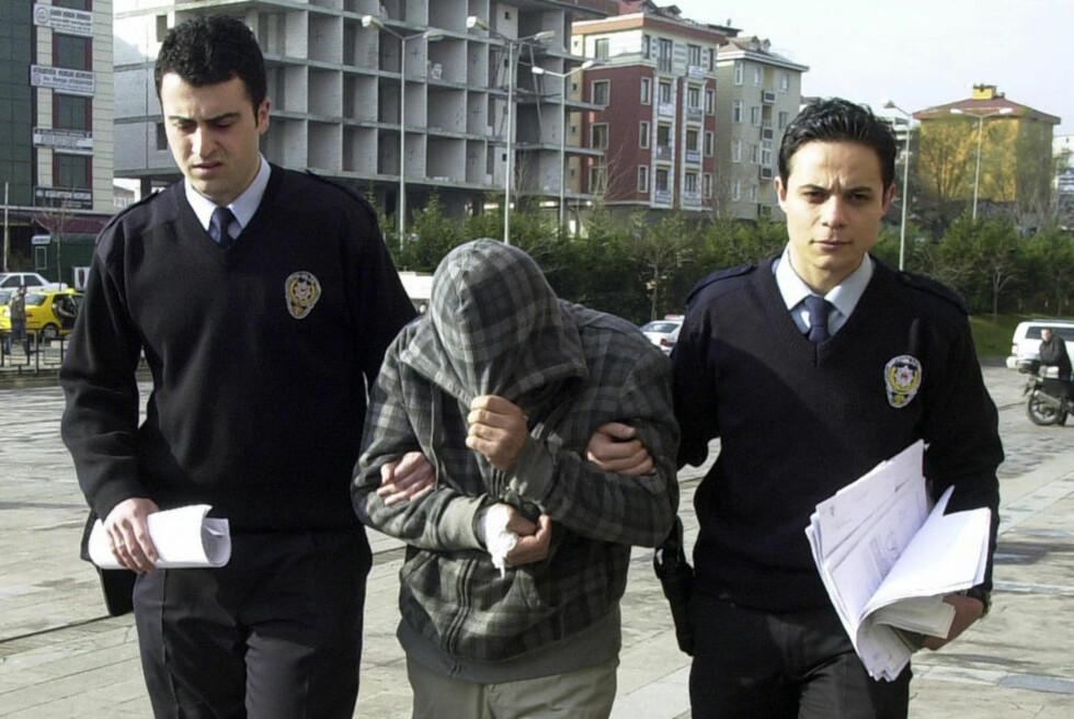 TIL PSYKIATRISK SYKEHUS:I et forsøk på å unngå innleggelse, forklarte 39-åringen for en tyrkisk domstol torsdag at han ikke hadde tatt medisinene han har fått foreskrevet. Foto: Reuters/Scanpix