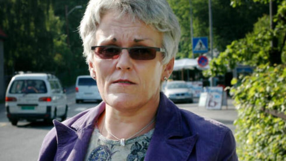 ALVORLIG:  Også dette bildet av bedrageridømte og bedragerianmeldte Maria Kristoffersen er tatt i juni 2005. FOTO: PRIVAT.