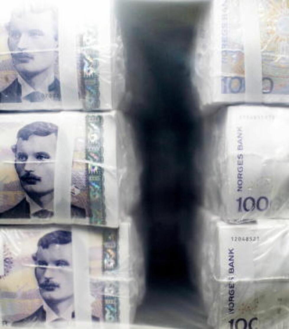 ENORME SUMMER: Den ulovelige økonomien, kalt «skyggeøkonomien» eller «mafiaøkonomien» er av enkelte anslått til hele 15-20 prosent av verdensøkonomien. Foto: AGNETE BRUN/DAGBLADET