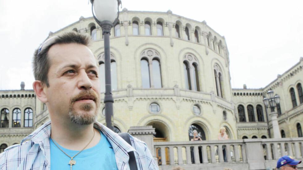 Wiggo Pedersen var en av 67 FN- og NATO-veteraner som leverte fra seg sin medalje i protest mot behandlingen veteranene har fått etter at de har kommet hjem. Foto: Torbjørn Berg / Dagbladet