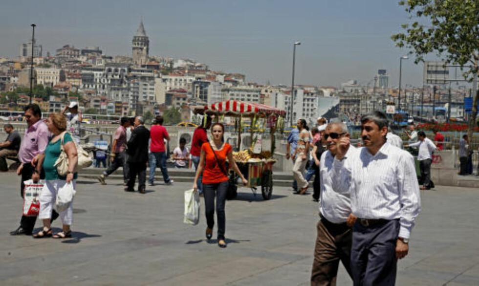 FOLKELIV: Hverdagslivet i istanbul er både hektisk og intenst.