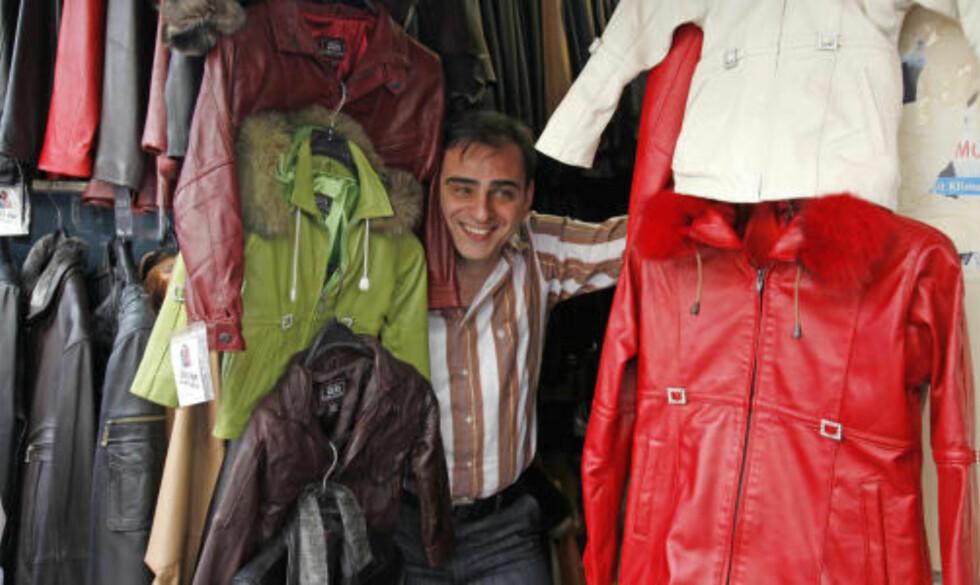 SKINN: Istanbul er et godt sted å kjøpe skinnklær. Kvaliteten er gjennomgående høy, men husk å prute kraftig!