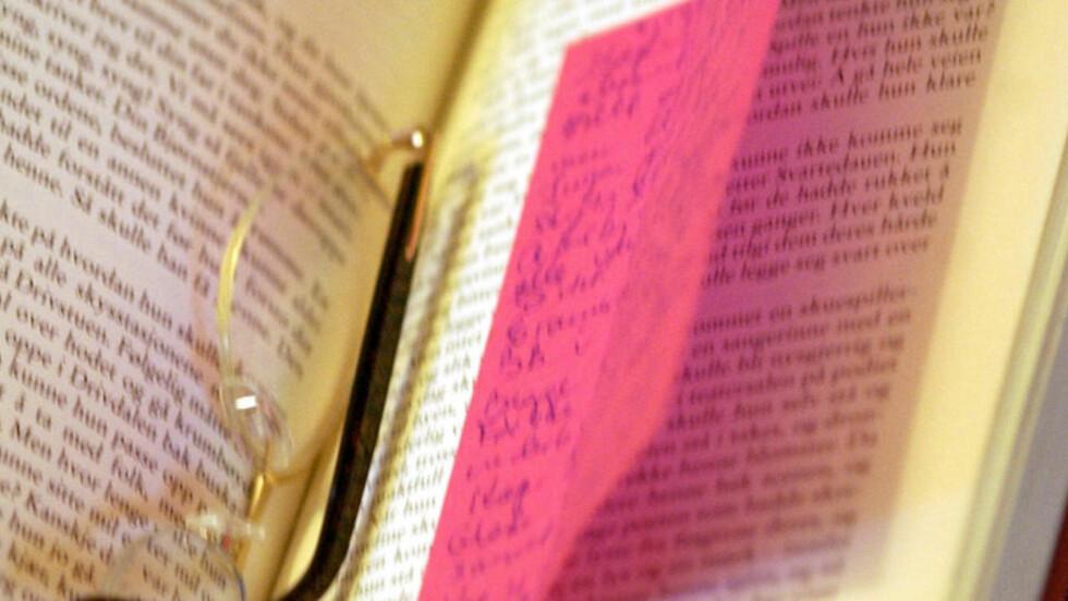 LES SAKTE: Er du en sakteleser, en som kikker mer opp i lufta enn ned i papiret, som nyter hvert ord i setningene, grunner over motiver og karaktermønstre? Foto: Ola Sæther/Dagbladet