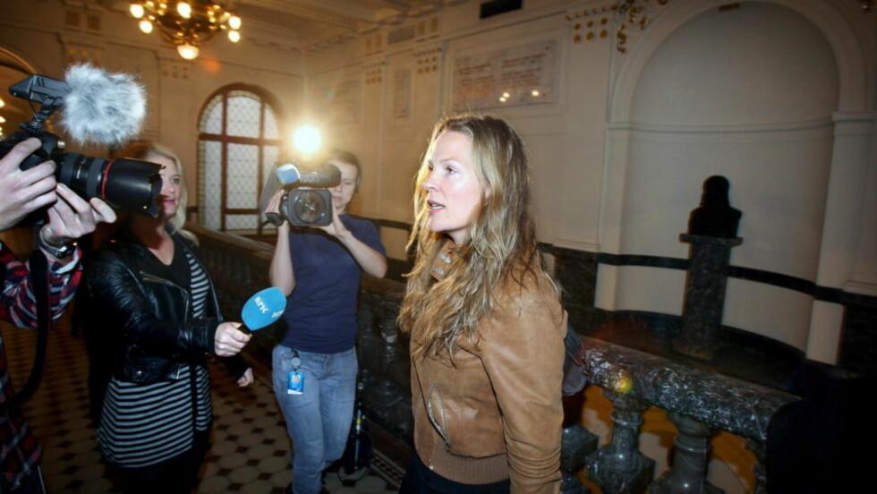 KJEMPER: Åsne Seierstad mener hun har benyttet anerkjente journalistiske metoder i arbeidet med «Bokhandleren i Kabul». Her fra Høyesterett i 2009. Arkivfoto: Hans Arne Vedlog.