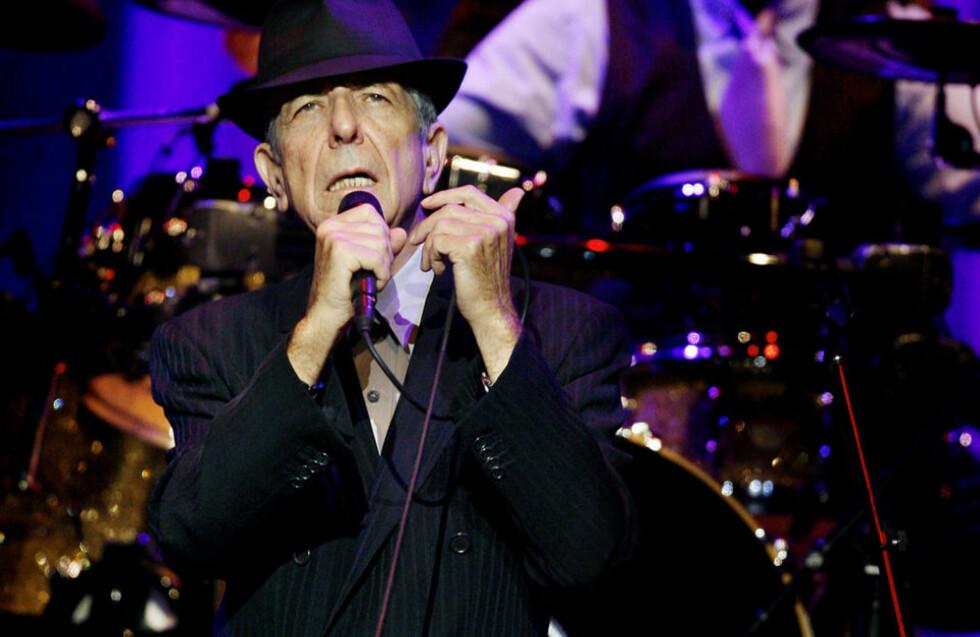 INNFRIDDE: Leonard Cohen (75) innfridde enhver forventning i Oslo Spektrum i går. Han ga en konsert som seint vil bli glemt.  Foto: Kristin Svorte