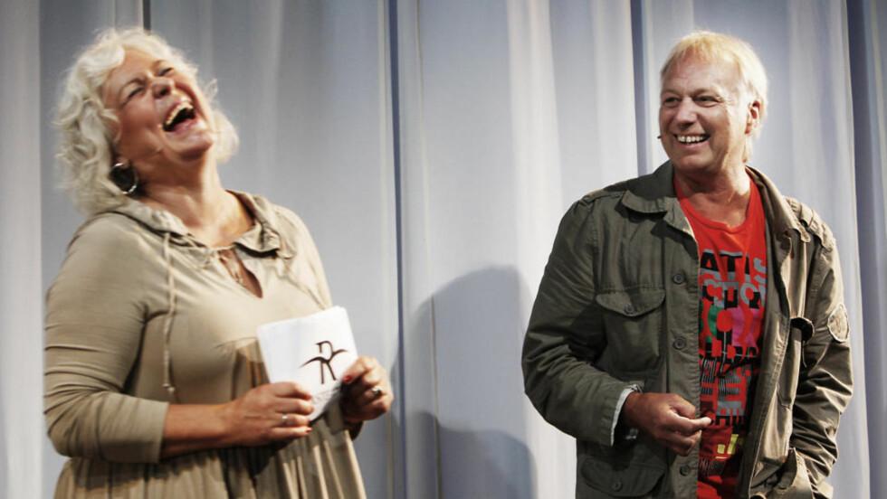 NY FORESTILLING:  Ellen Horn og Øystein Dolmen gleder seg til en ny Knutsen og Ludvigsen-forestilling til neste år. Nå søker Riksteatret dyktige skuespillere til de ulike rollene. Foto: Erling Hægeland/Dagbladet