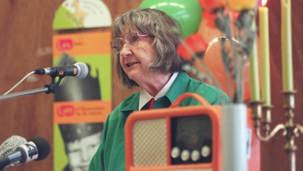 POPULÆR: Anne-Cath. Vestli leste høyt da barnetimen feiret sitt 50-årsjubileum. Forfatteren var en av de mest populære stemmene i programmet. (NTB-foto: Rune Petter Ness)