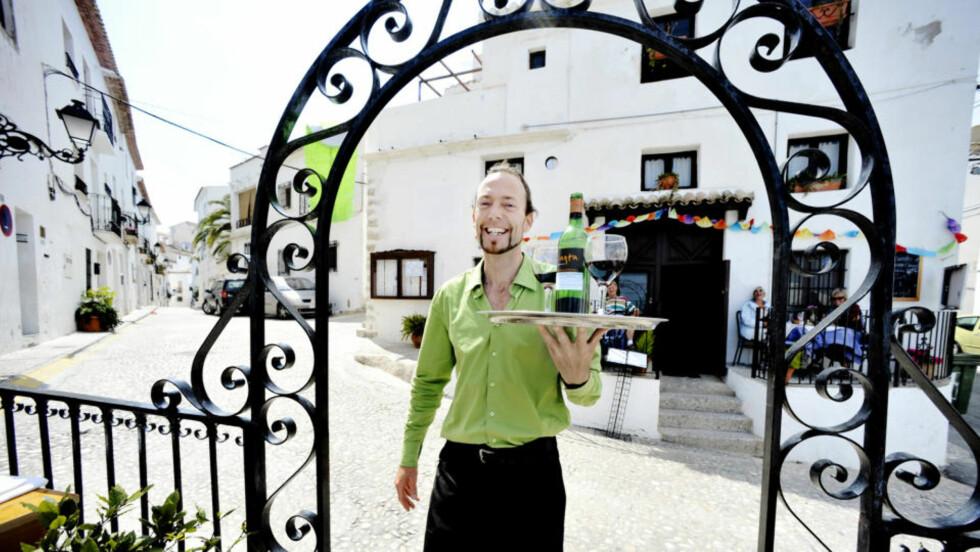 CASA VITAL:  Norske Åge Folkestad åpnet restaurant  i den spanske byen Altea for ti år siden. Nå er Casa Vital en av byens mest populære spisesteder. Foto: JOHN TERJE PEDERSEN/Dagbladet