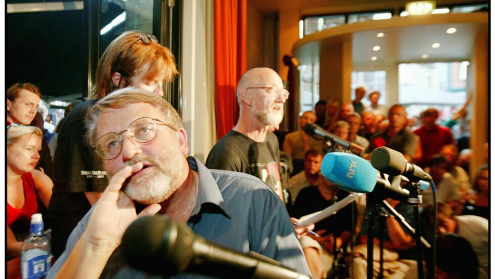 ML-DEBATT: Jan Myrdal mener Bernt Hagtvets opptreden er anliggende for hans arbeidsgiver Universitetet i Oslo. Bildet er fra forrige runde i ml-debatten, der Hagtvet møtte blant annet Sigurd Allern til diskusjon.  Foto tore Bergsaker