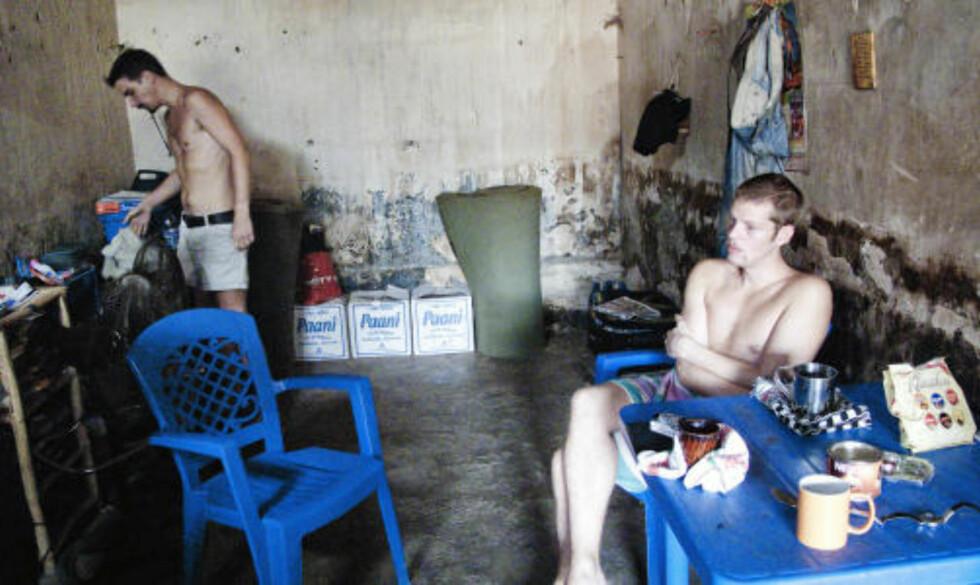 I FENGSEL: Tjostolv Moland (t.v.) og Joshua French sitter fengslet i Kisangani etter drapet på Abedi Kasongo i fjor vår. Foto: THOMAS RASMUS SKAUG/DAGBLADET