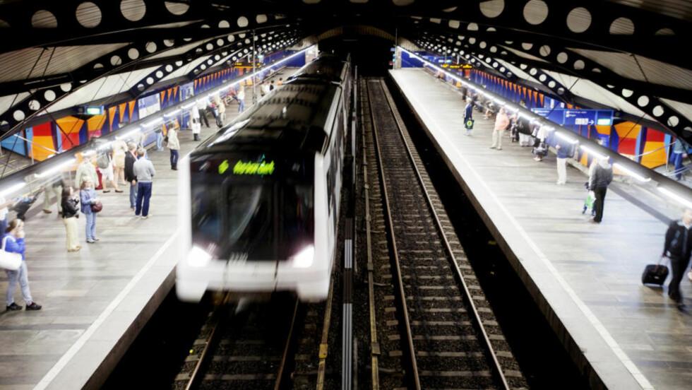 BLIR IKKE BRUKT: Ubrukte t-banesperringer til titalls millioner kroner kommer trolig aldri i bruk. Foto: Kyrre Lien/Scanpix