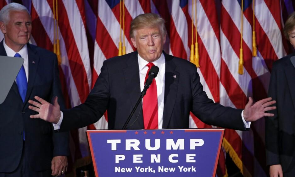 FORSONENDE: Donald Trump (70) framsto som forsonende og samlende under sin seierstale i New York. Foto: Shawn Thew / EPA / NTB Scanpix
