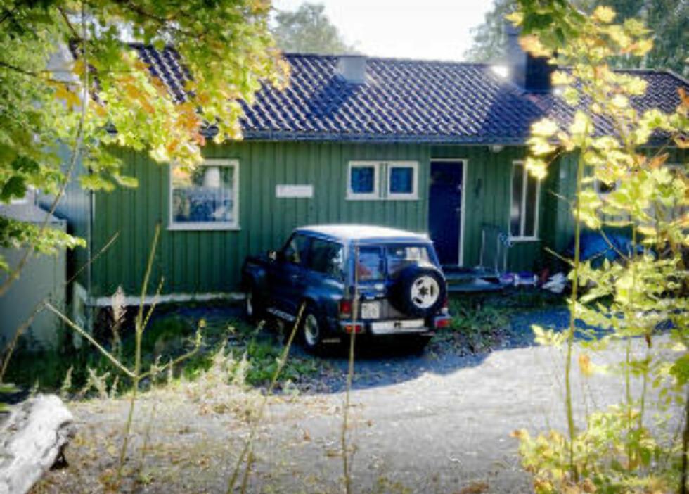 «UNIVERSITET»: Dette unnselige huset er Hamers «Universitet Sandefjord». Her mottar han en mengde besøkende fra en rekke land. Foto: ØISTEIN NORUM MONSEN/DAGBLADET