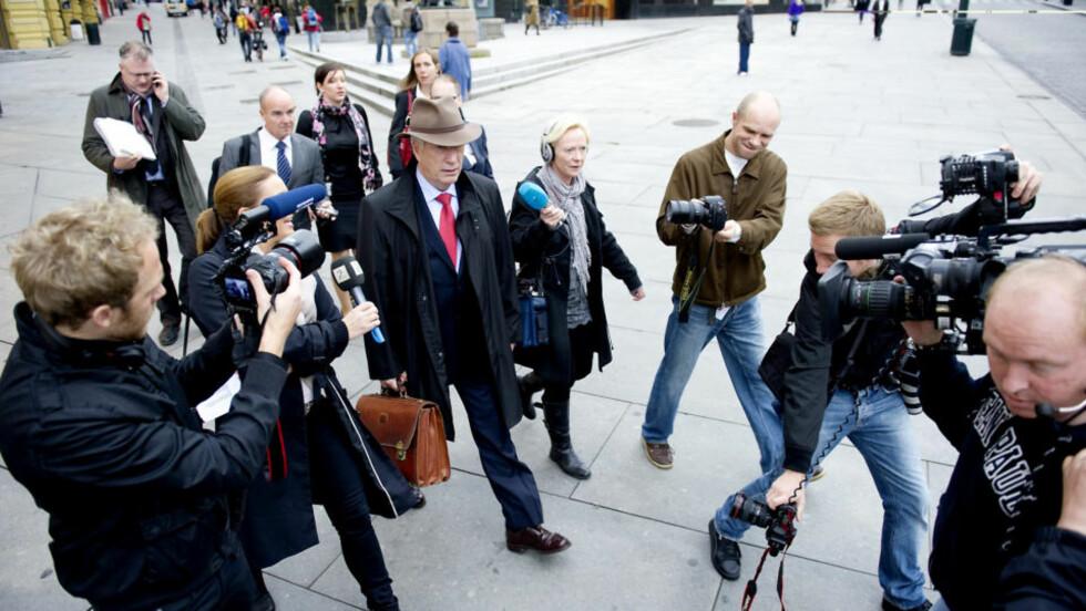 SLUTT PÅ MOROA: Får finansminister Sigbjørn Johnsen det som han vil, blir det 25 prosent dyrere å handle ebøker, musikk og annen elektronisk kultur fra utlandet. Foto: Øistein Norum Monsen/DAGBLADET