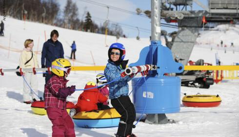 BARNA VIL TRIVES: I Tusseland er det aktiviteter for barn i alle aldre og med alle ferdighetsnivåer. FOTO: Destinasjon Hovden
