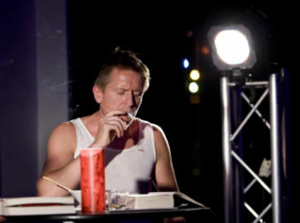 SPILT HAM FØR: Henrik Mestad er en god venn av Jo Nesbø, og har spilt Harry Hole på flere boklanseringsarrangementer. Foto: Terje Bendiksby / Scanpix
