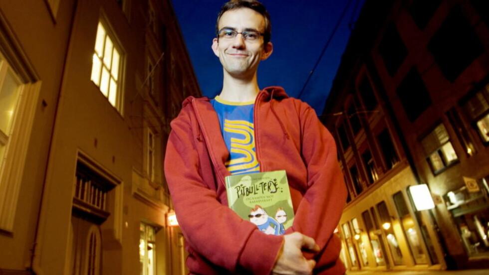 MER PITBULL-TERJE: Endre Lund Eriksen har nok en gang klart å lage en humoristisk barnebok av et sosialproblematiserende tema. FOTO: TORBJØRN GRØNNING/DAGBLADET