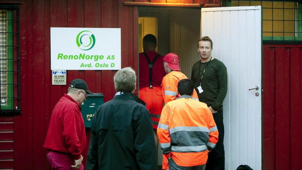 AKSJONERTE: I august aksjonerte Arbeidstilsynet og politiet mot et av Norges største renovasjonsselskap etter tips om sosial dumping og brudd på arbeidsmiljøloven. Foto: BJØRN LANGSEM/DAGBLADET