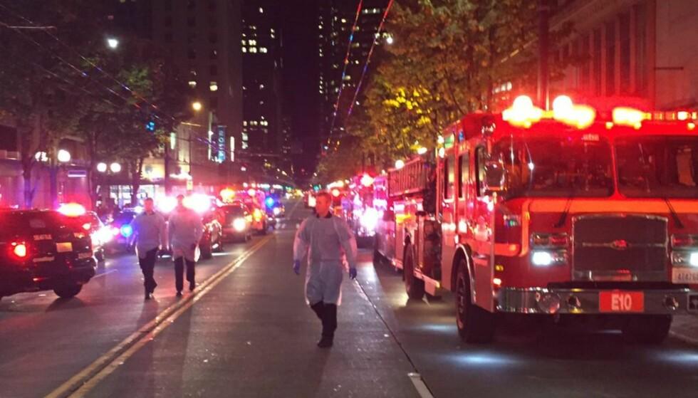 RYKKET UT: Nødetatene i Seattle rykket natt til torsdag ut etter en masseskyting. Foto: Brannvesenet i Seattle