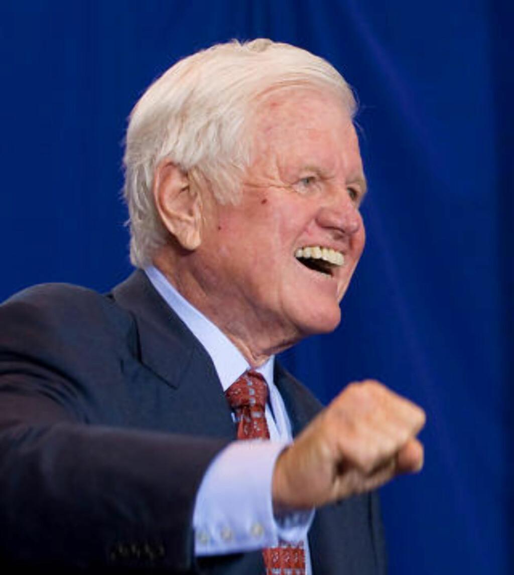 ARVEN ETTER KENNEDY: Senator Edward Kennedy døde av kreft i fjor høst, etter å ha sittet 46 år som senator. Kennedy var en sterk tilhenger av å få til en helsereform. Foto: AFP PHOTO/Saul Loeb/SCANPIX
