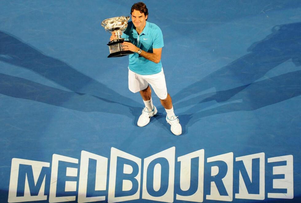 TILBAKE PÅ SITT BESTE: Roger Federer spiller igjen sin beste tennis, og var minst ett nummer for stor for Andy Murray i Australian Open-finalen.Foto: SCANPIX/AFP PHOTO/Torsten BLACKWOOD
