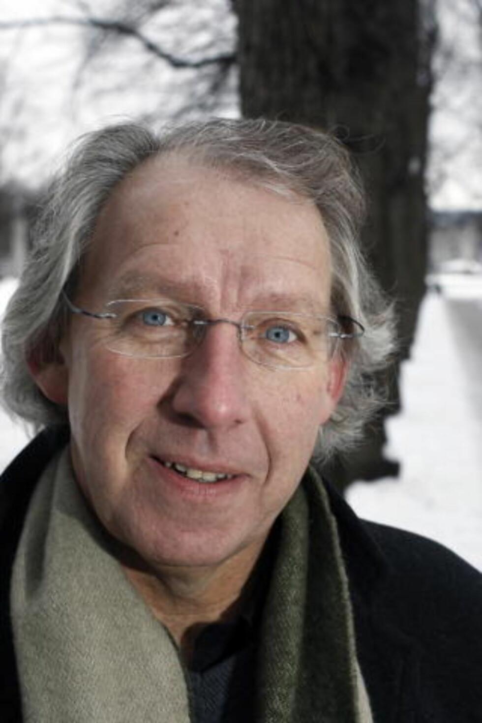 PROBLEMATISK: Carl-Erik Grimstad mener trenden med selvbiografiske romaner stiller nye krav til etiske vurderinger.