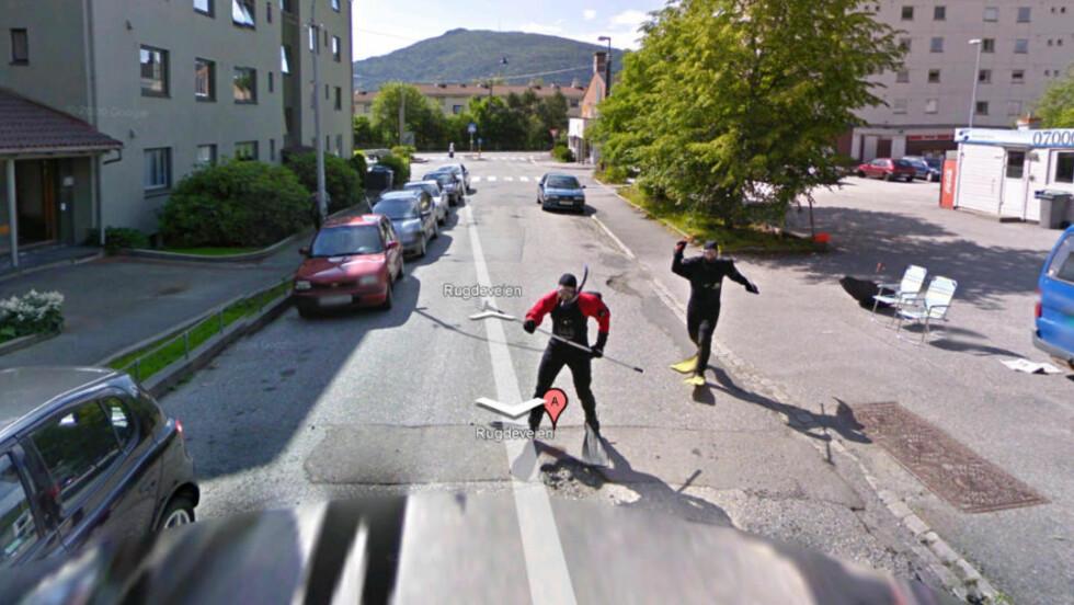 JAGET GOOGLE-BILEN:_  Dette bildet fra Rugdeveien i Bergen har gått sin seiersgang over hele nettet i dag.