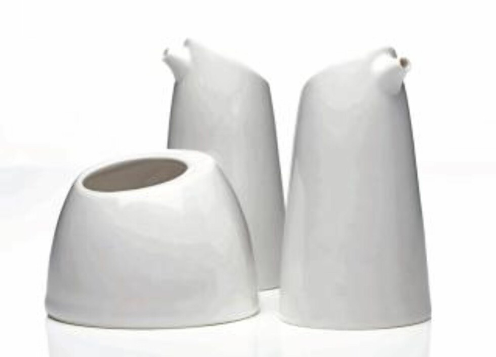 "SKULPTURELT: Porselenssettet ""Ylio"", design ved Sara Skotte.  Foto: Espen Heia"