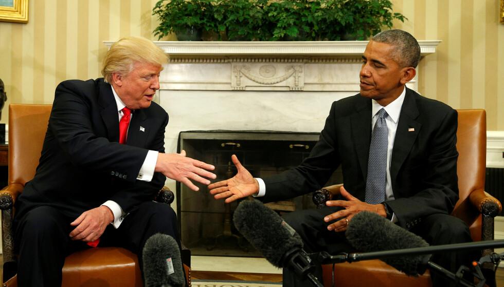 PÅ ANDRE TANKER: Det første møtet mellom president Barack Obama og påtroppende president Donald Trump har fått sistnevnte til å dempe kritikken av førstnevntes helsereform en smule. Foto: AFP PHOTO / JIM WATSON / NTB scanpix