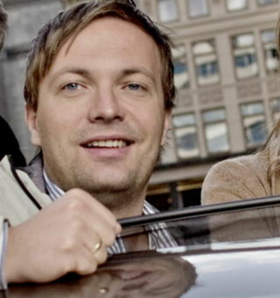 - FORNØYD:  Daglig leder i Zero, Einar Håndlykken, er fornøyd med at regjeringen nå vurderer Zeros forslag om å øke CO2-avgiften, men samtidig redusere veiavgiften for all type drivstoff. Han har håp om at forslaget vil føre til at flere transportselskaper igjen benytter biodiesel. Foto: Rune Myhre/ Dagbladet