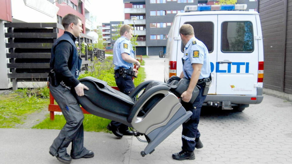 BESLAG: Politiet gjorde flere beslag hjemme hos familien på Furuset under «Operasjon Nemesis». Foto: John T. Pedersen/Dagbladet