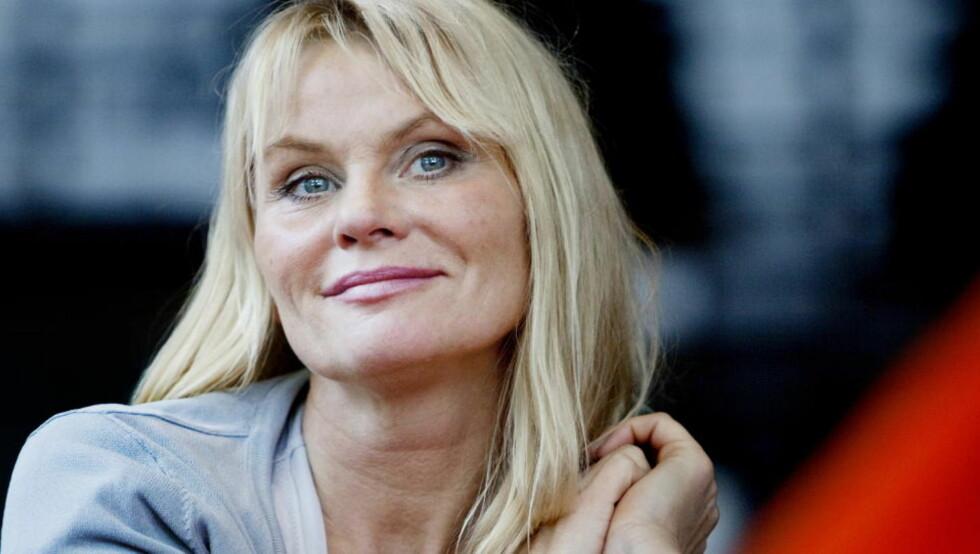MASSASJE: Mia Gundersen lover at alt elektronisk støy skal byttes ut med naturlige lyder. Kanskje blir det også massasje...   Foto: Espen Røst / Dagbladet
