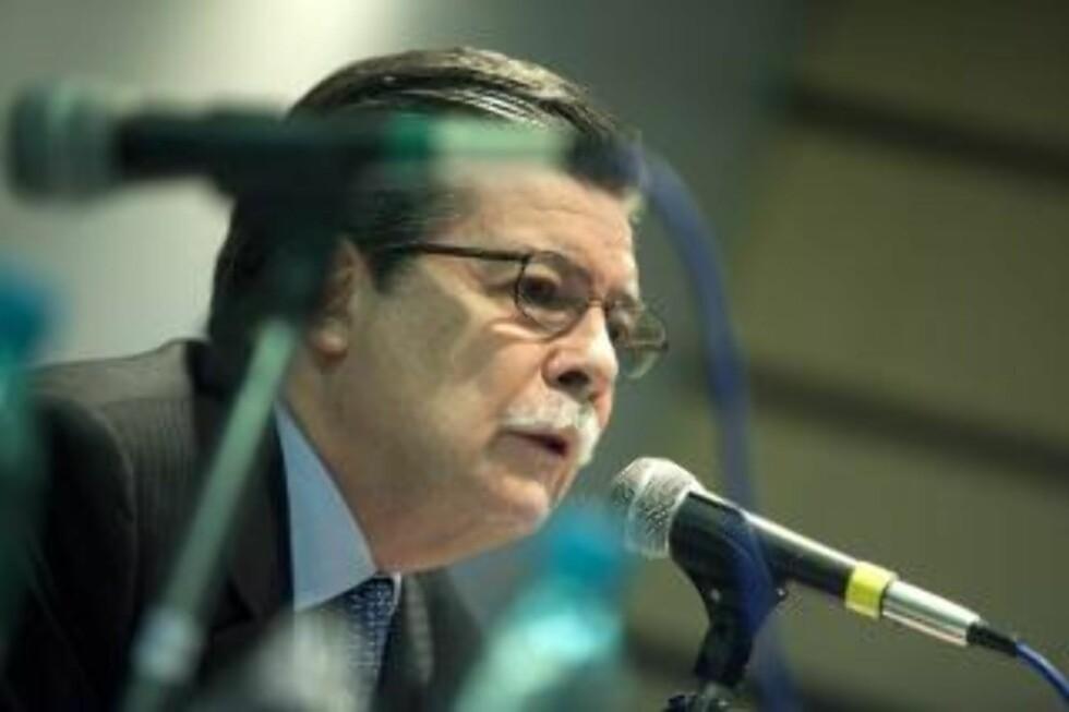HELT ELLER KUPP-INVOLVERT? Arrangøren av fredskonferansen som begynner i Oslo i dag avviser alle påstander om at TV-direktør Marcel Granier var involvert i kuppet i Venezuela i 2002 - og vektlegger kun at han og hans TV-stasjon er blitt forfulgt av Chavez-regimet.  Foto: EPA/Sebastião Moreira/Scanpix
