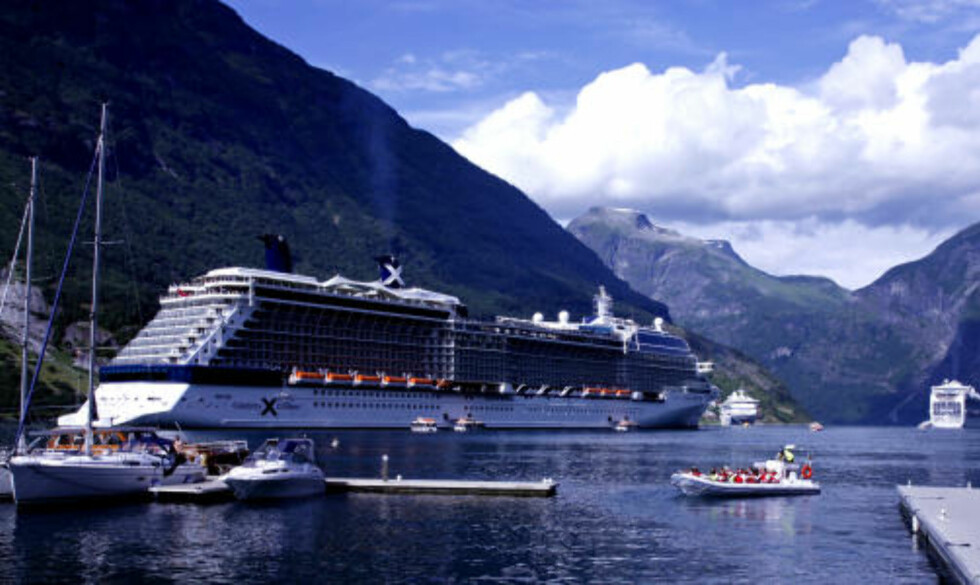FULLT HUS: Geiranger er blant de mest populære cruisemålene i Norge. For to år siden satte kommunen begrensninger til maks fire skip og 5.000 passasjerer pr. dag.