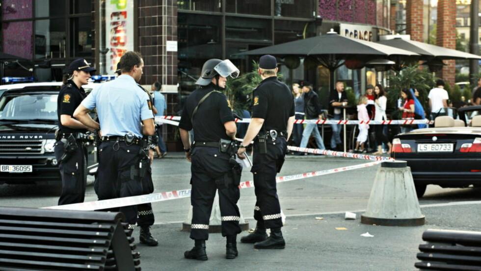 SKUDDRAMA: I august 2006 smalt det mellom de kriminelle gjengene Young Guns og B-gjengen på Aker Brygge i Oslo- Det ble starten på Oslo-politiets eget prosjekt mot organiserte gjengkriminelle i hovedstaden. Foto: Anders Grønneberg