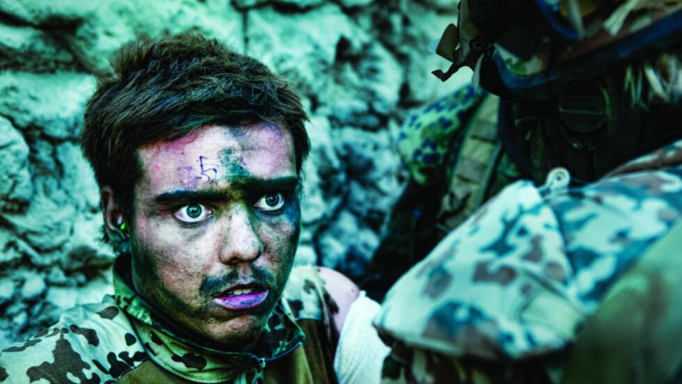 AVSLØRENDE: I dokumentaren Armadillo ser vi danske soldater skryte av drapene de nettopp har begått i Afghanistan. De er desillusjonert, ikke bare på grunn av egne tap, men like mye over fiendens usynlighet, skriver Carsten Jensen. Foto fra filmen: Lars Skree