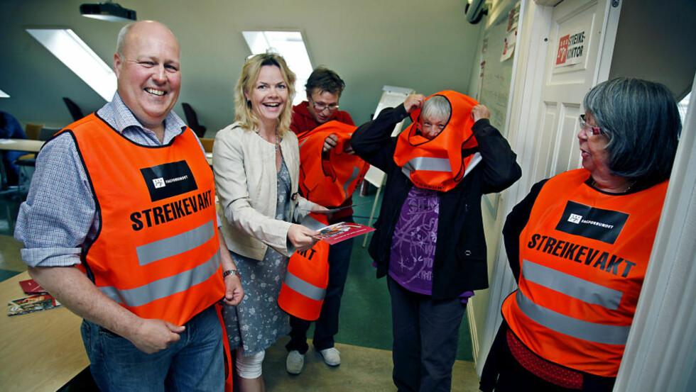 <strong>MOTIVERTE FOR STREIK:</strong> Fagforbundets Ole Beichmann (trafikketaten), Unni Bjergaard Moer (streikegeneral), Per Egil Johansen (sykehjemsetaten), Anne-Britt Hovding (Fagforbundet Østensjø) og Wenche Dahl (Fagforbundet Nordstrand) er nå i streik. Foto: Jacques Hvistendahl