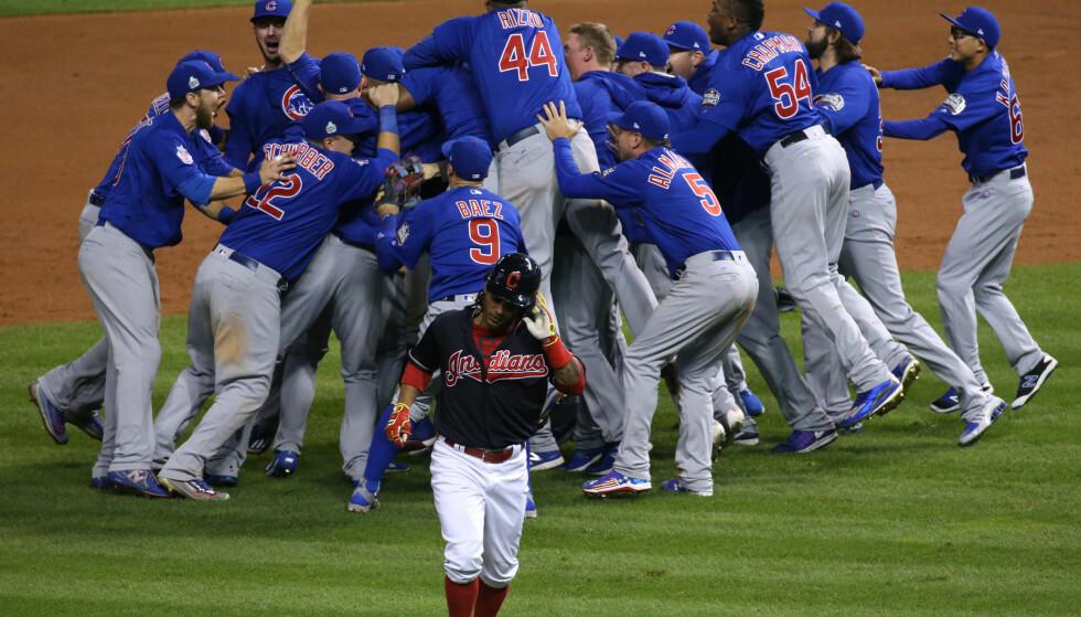JUBLET: Chicago Cubs feiret seieren 3.november i år. Foto: NTB Scanpix