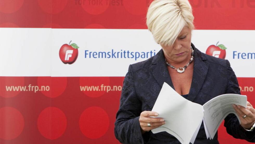 SER NEDOVER: Frp stuper 2,4 prosentpoeng i ny måling. - De bidrar til ny Ap-regjering, mener de øvrige borgerlige partiene. Foto:  Foto: Gorm Kallestad / SCANPIX