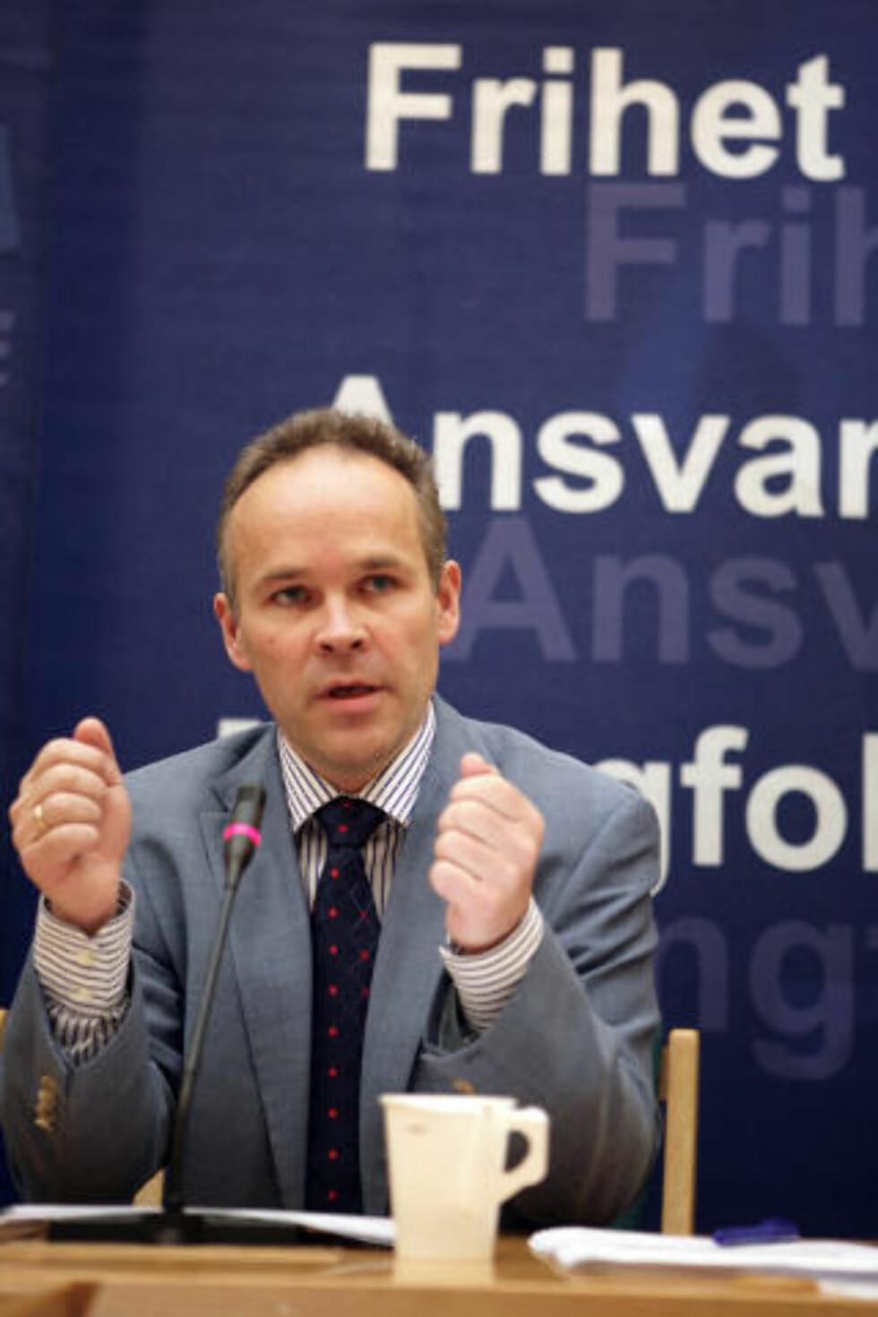 OPTIMIST: Høyre-nestleder Jan Tore Sanner mener partiets støtte i skolepolitikken bør hjelpe dem inn i regjeringskorridorene, til tross for at de ligger lavere enn da de selv styrte skolepolitikken i Norge. Foto: Ståle Andersen / SCANPIX .