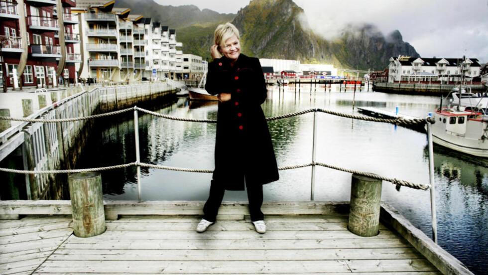 IDYLL:_Kristin Halvorsen og SV får gjennomslag for kravet om å verne Lofoten og Vesterålen mot oljeboring. Her er SV-lederen på valgmøte i Svolvær under valgkampinnspurten. Foto: Linda Næsfeldt