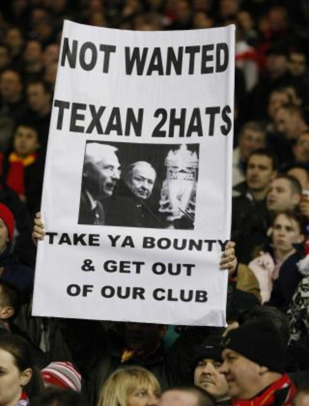 UPOPULÆRE: Liverpool-fansen har vært åpne på følelsene for George Gillett og Tom Hicks. Foto: REUTERS/Phil Noble