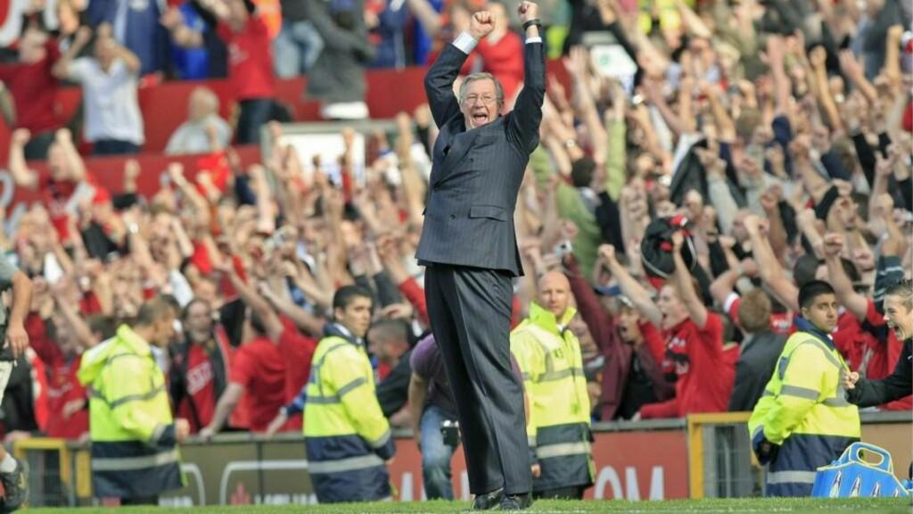GALSKAP: Manchester United-sjef Alex Ferguson vet ikke hvordan overtid regnes ut, og ser på det som galskap. Søndag førte den til jubel. Foto: EPA/MAGI HAROUN