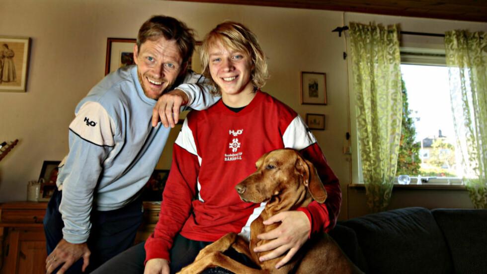 TAR OPP ARVEN: Øystein Havang (t.v.) sammen med sønnen Rein (19). Havang junior er en av flere spennende unggutter i årets Sandefjord-lag.Foto: Arnt E. Folvik, Dagbladet