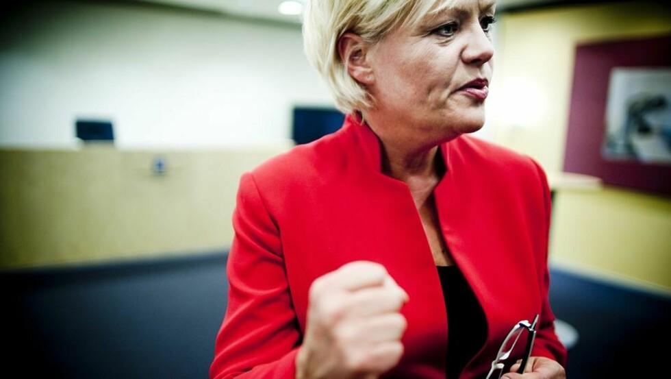 FORTSETTER? Det har lenge blitt spekulert i om Kristin Halvorsen vil fortsette som finansminister eller ta over Kunnskapsdepartementet. Nå ber flere SVere henne om å fortsette. Foto: Thomas Rasmus Skaug