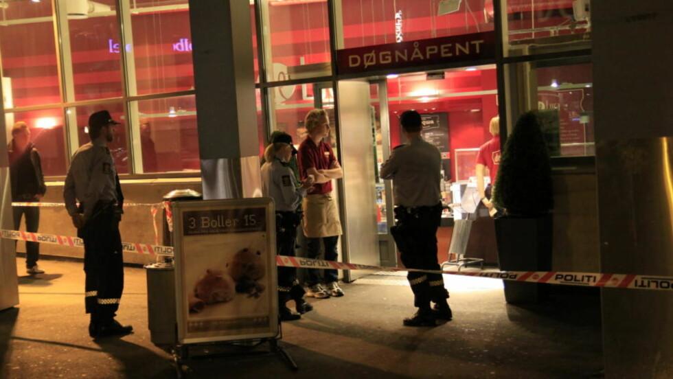 RANET: Deli de Luca på Holbergs plass ble i natt ranet. Foto: Espen Hovde