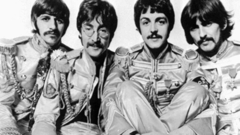 HIT-LÅTA: The Beatles-låta, Lucy in the Sky With Diamonds, ble anklaget for å være en dop-låt om LSD. John Lennon hevdet hardnakket at låta tvertimot handlet om Lucy, en venn av hans sønn, Julian. Foto: AP Photo