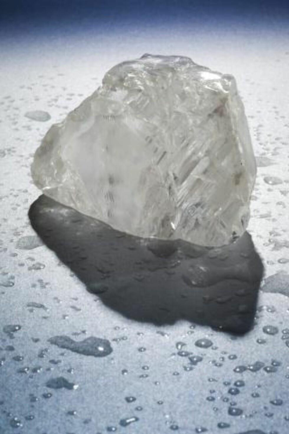 KRONJUVEL? Firmaet som fant diamanten mener den kan sammenlignes med tidligere diamantfunn som er blitt en del av de britiske kronjuvelene. Foto: EPA/PETRA