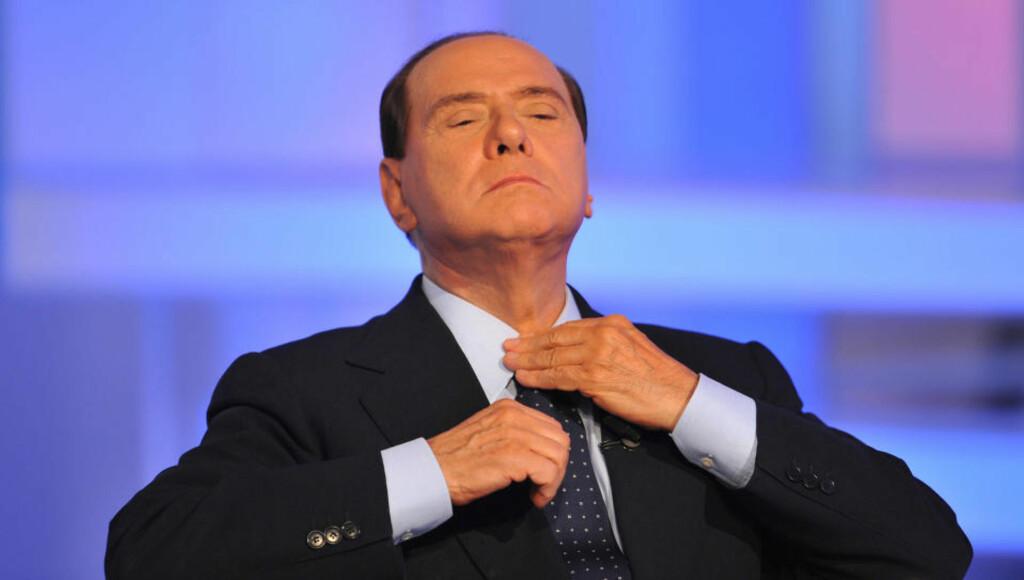 UH-OH: Silvio Berlusconi har levd godt på immuniteten mot straffeforfølgelse av blant annet korrupsjon, men nå ser nettet ut til å snøre seg sammen rundt den svært populære men mildt sagt skandaleombruste statsministeren.
